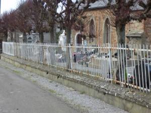 photo grille cimetière avant rénovation .2jpg